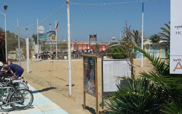 Campi da beach Bagno Onda 43 a Rimini
