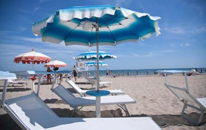 Spiaggia Bagno Onda 43 a Rimini